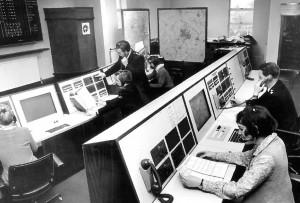 מרכזייה בשנות ה-70, כיום כל זה נכנס במרכזיית ip אחת קטנה
